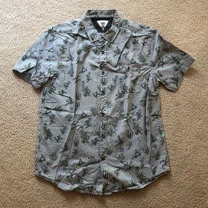 Men's Vissla short sleeved button shirt (LARGE)